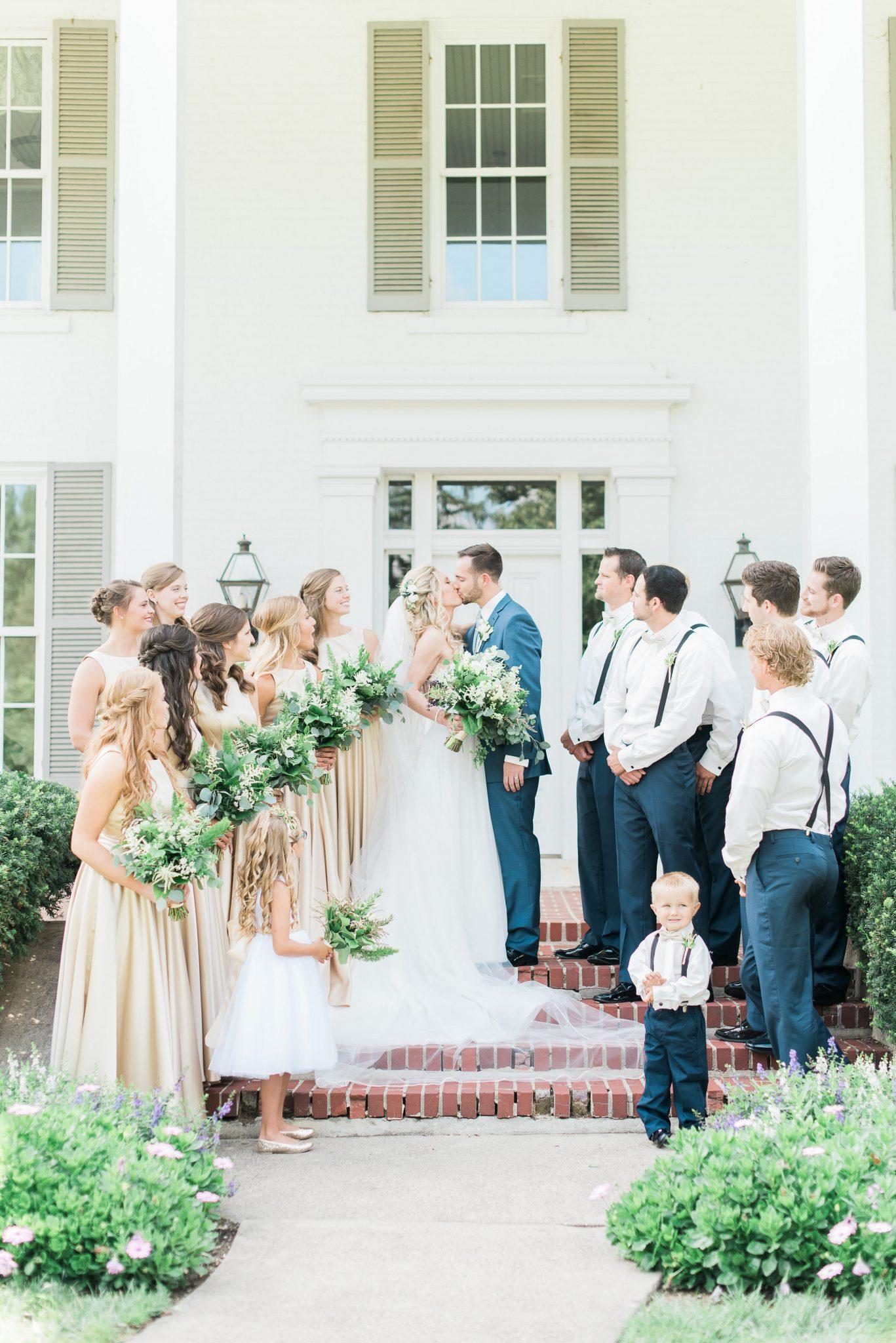 polan farm wedding, green and white wedding flowers, bridal party pictures, Dayton ohio wedding florist, wedding flowers