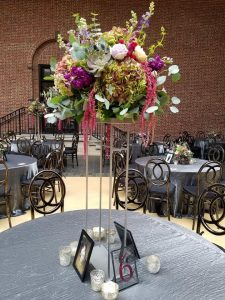 tall_wedding_centerpiece, dayton_Art_institute_wedding, dayton_Wedding_florist, tall_table_centerpiece, dramatic_wedding_centerpiece