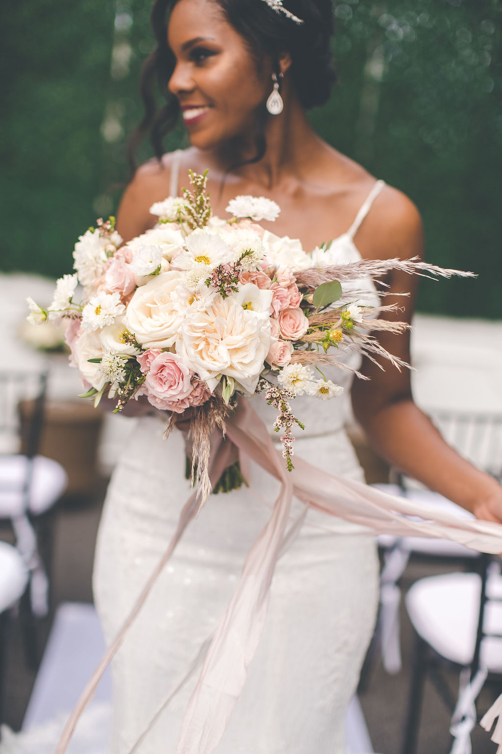 bridal-bouquet. brides-bouquet, blush-and-ivory-bridal-bouquet, dayton-wedding-florist, dayton-florist, Cincinnat-floristi