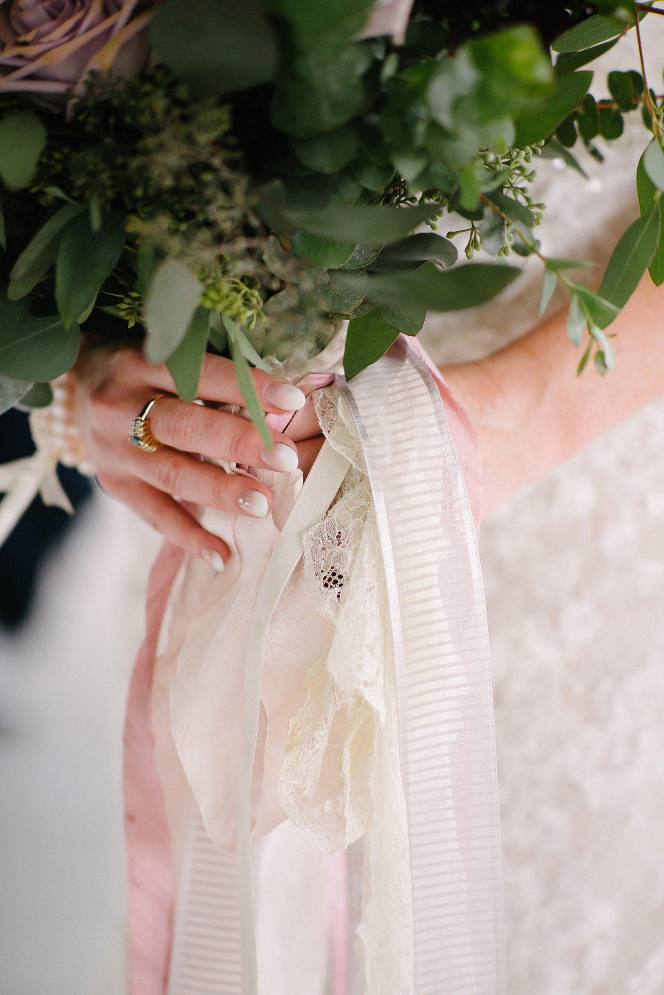 Dayton wedding, wedding florist, dayton florist, Cincinnati florist, wedding flowers, bridal bouquet, sugar valley country club