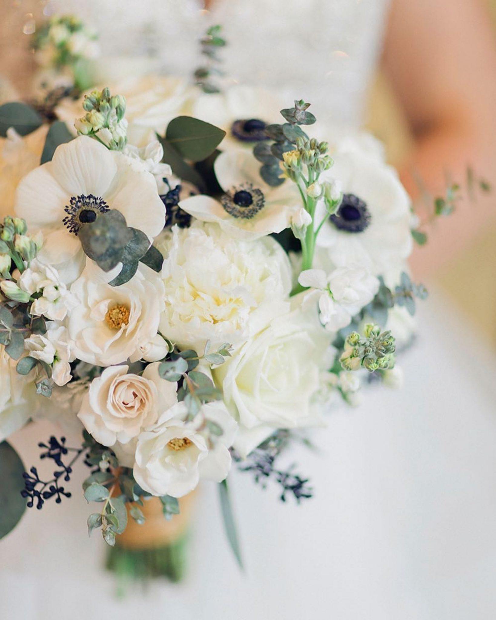 bridal_bouquet_brides_wedding_Flowers_dayton_florist_cincinnati_florist_wedding_flowers_Dayton_ohio_white_wedding_Bouquet_dayton_bride