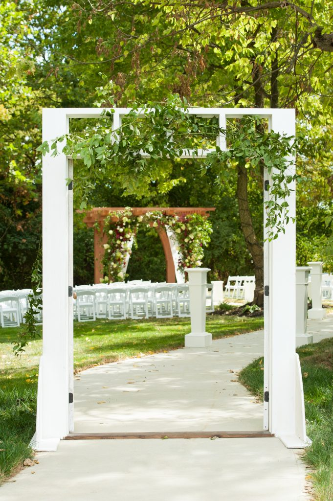Stone_Valley_Meadows_wedding_reception_Ceremony_venue_flowers_florist_Dayton_ohio_wedding_arch_Decor_Doors