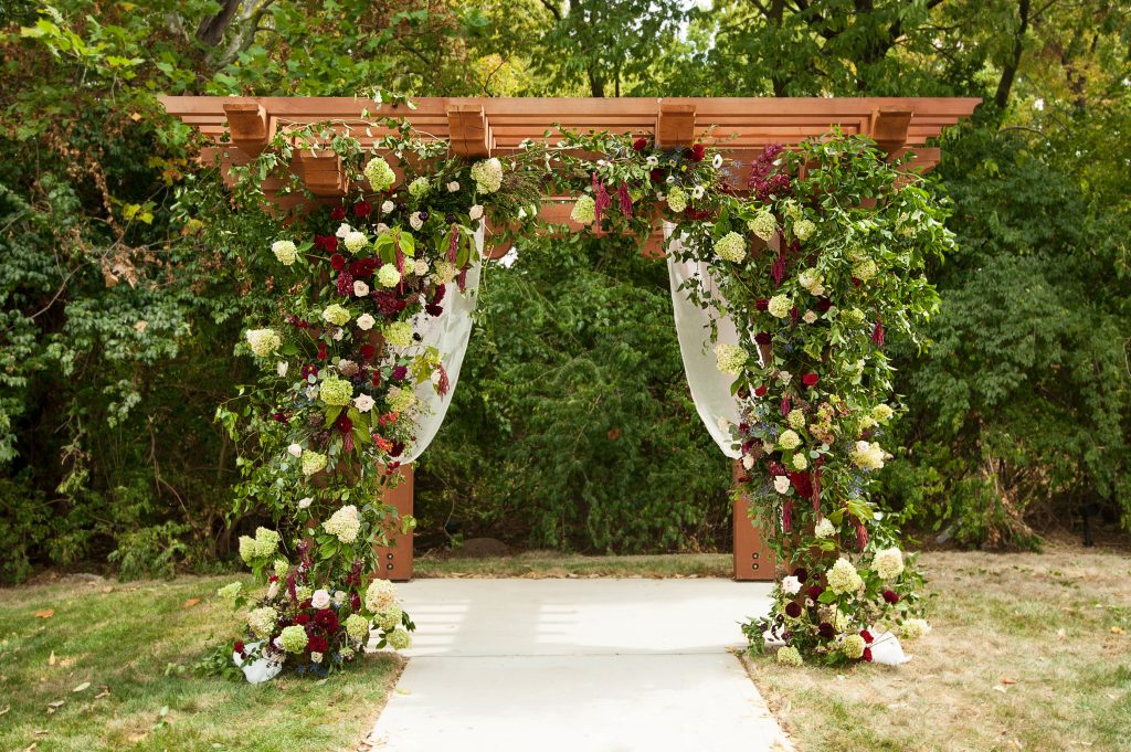 Stone_Valley_Meadows_wedding_reception_Ceremony_venue_flowers_florist_Dayton_ohio_wedding_pergola_arch_Decor_flowers